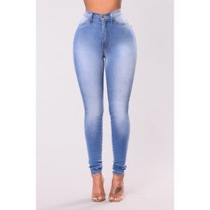 Fashion Nova Classic High Waist Jeans (Light Blue)